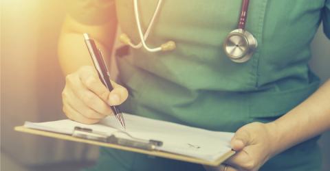 Los médicos zaragozanos tendrán un seguro por incapacidad tras una agresión