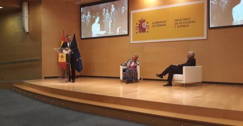 APISE y DGSFP homenajean a Josefina de la Maza García, la primera Inspectora de España