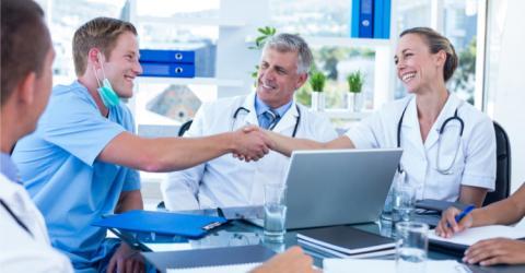 Más de 3.000 médicos se suman al cuadro médico de DKV para MUFACE