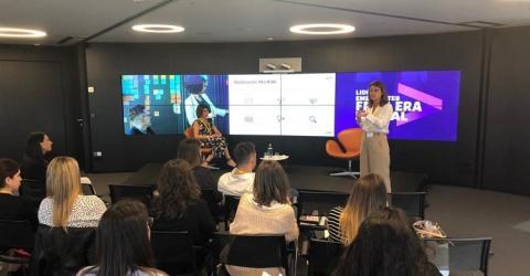 Susana Pérez (INESE) y Sonia Calzada (ZURICH) acercan la diversidad a los jóvenes del sector