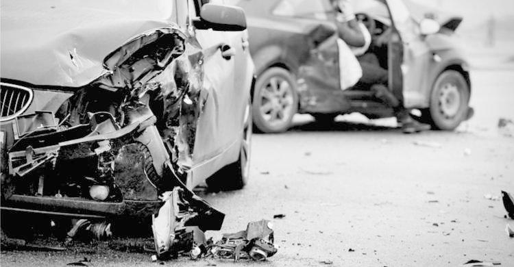 Los accidentes de coche con víctimas en ciudad duplican a los de carreteras interurbanas
