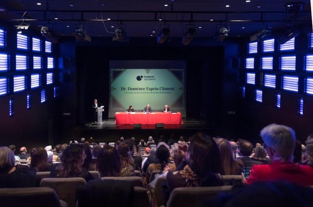Fundació Agrupació entrega sus Becas y el Premio de Investigación