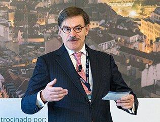 Jose Galamba en el Foro de lisboa