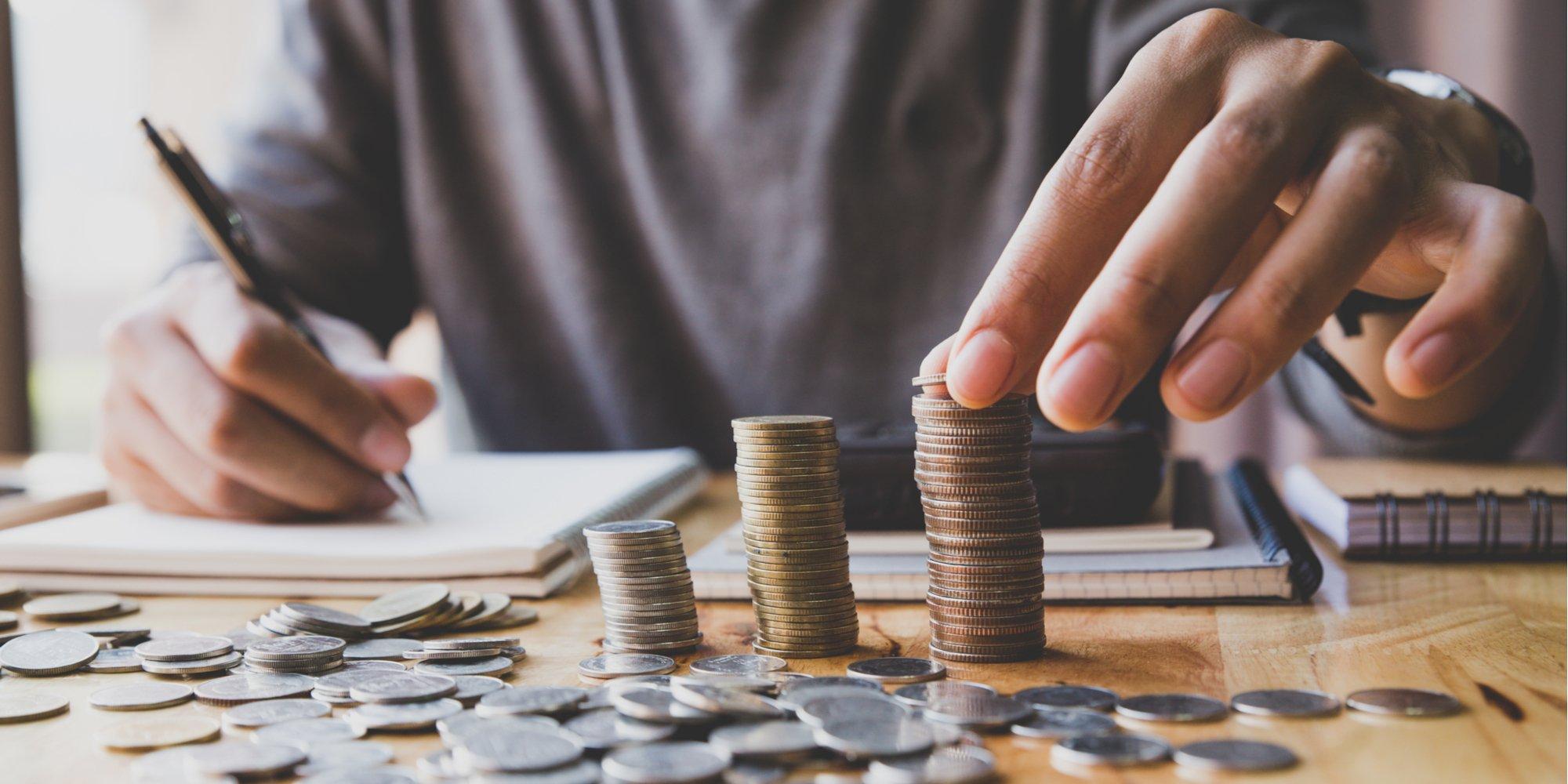 Cómo ahorrar impuestos con seguros y planes de pensiones