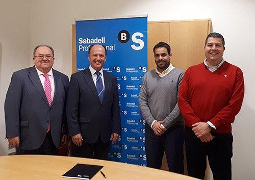 El Colegio de Córdoba, Huelva y Sevilla firma un convenio de colaboración con Banco Sabadell