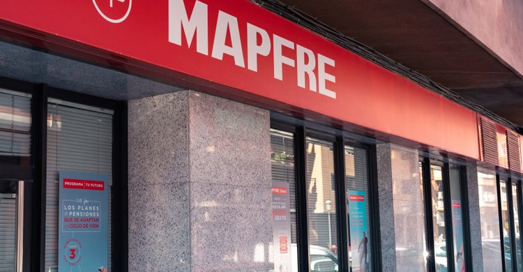 MAPFRE inaugura espacios de atención al cliente en centros Makro de Badalona y Tarragona
