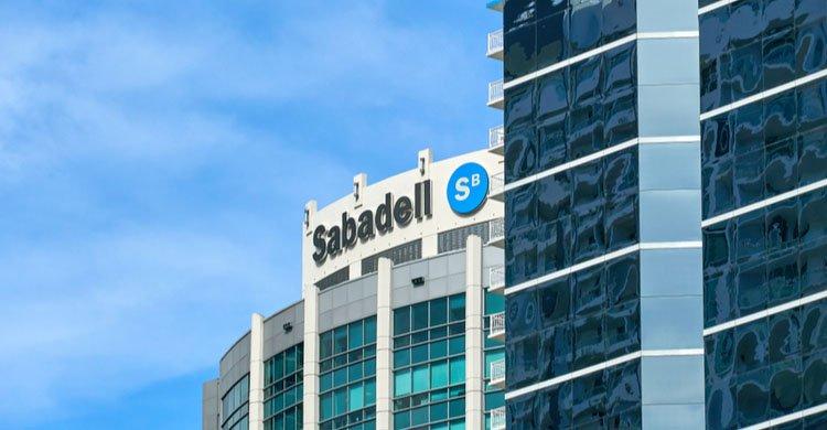 banco sabadell se alía con Sanitas