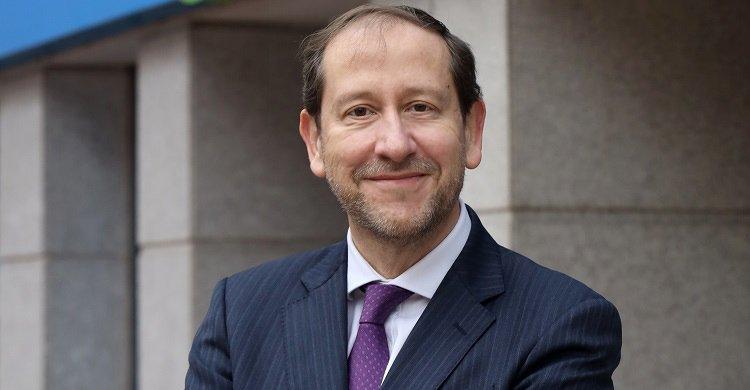 Francisco Lara, presidente de Pelayo, se compromete con el Consejo de RedEWI