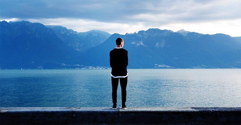 Hombre en solitario